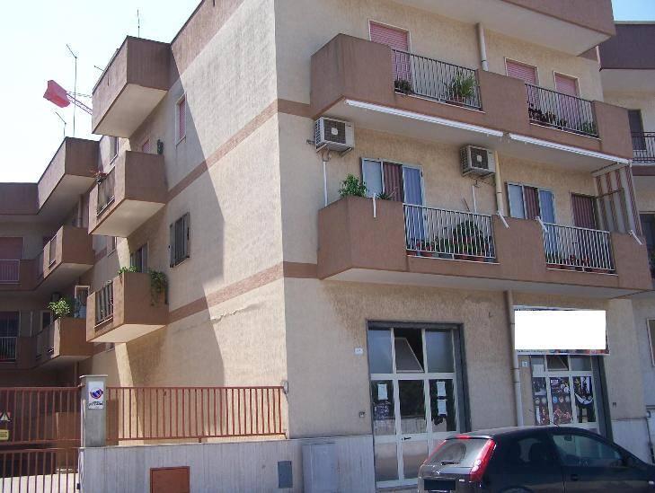 Appartamento in affitto a San Giorgio Ionico, 5 locali, prezzo € 450 | Cambio Casa.it