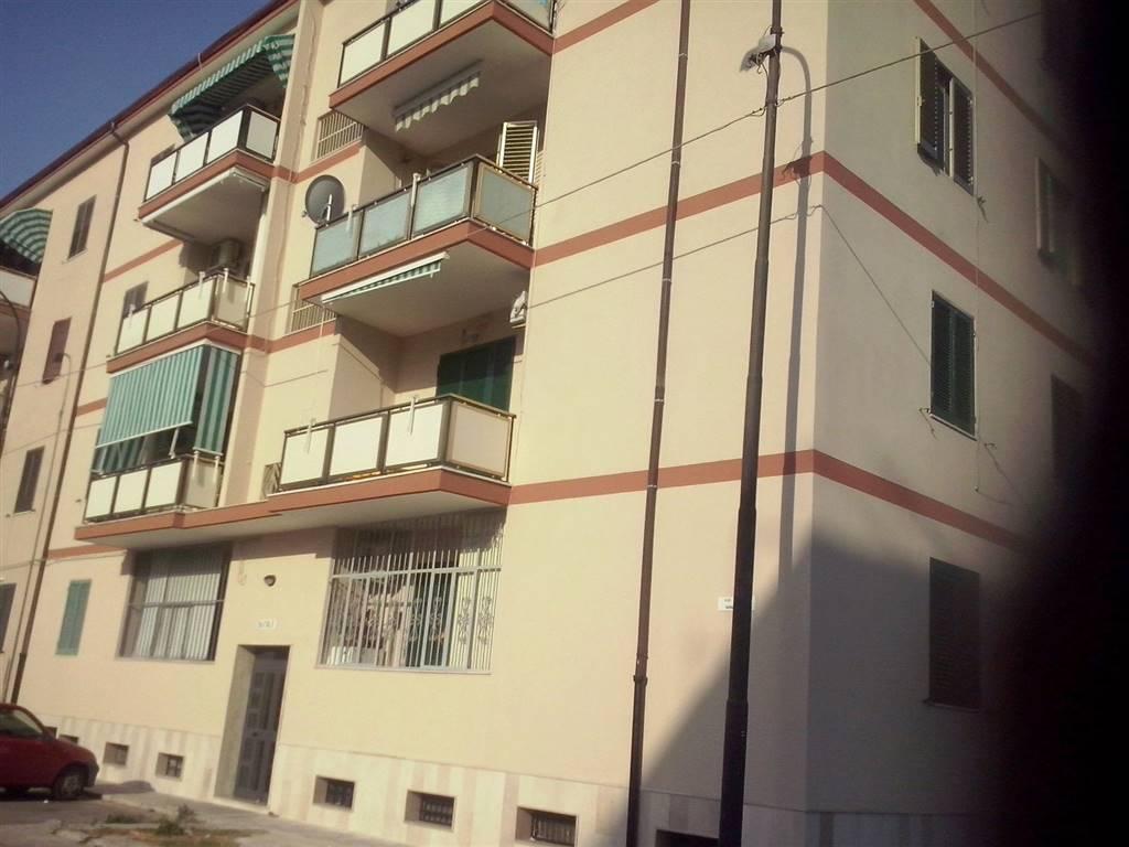 Appartamento in vendita a Taranto, 4 locali, zona Zona: Salinella, prezzo € 85.000   CambioCasa.it