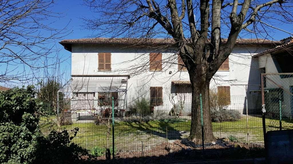 Soluzione Indipendente in vendita a Voghera, 8 locali, prezzo € 148.000 | CambioCasa.it