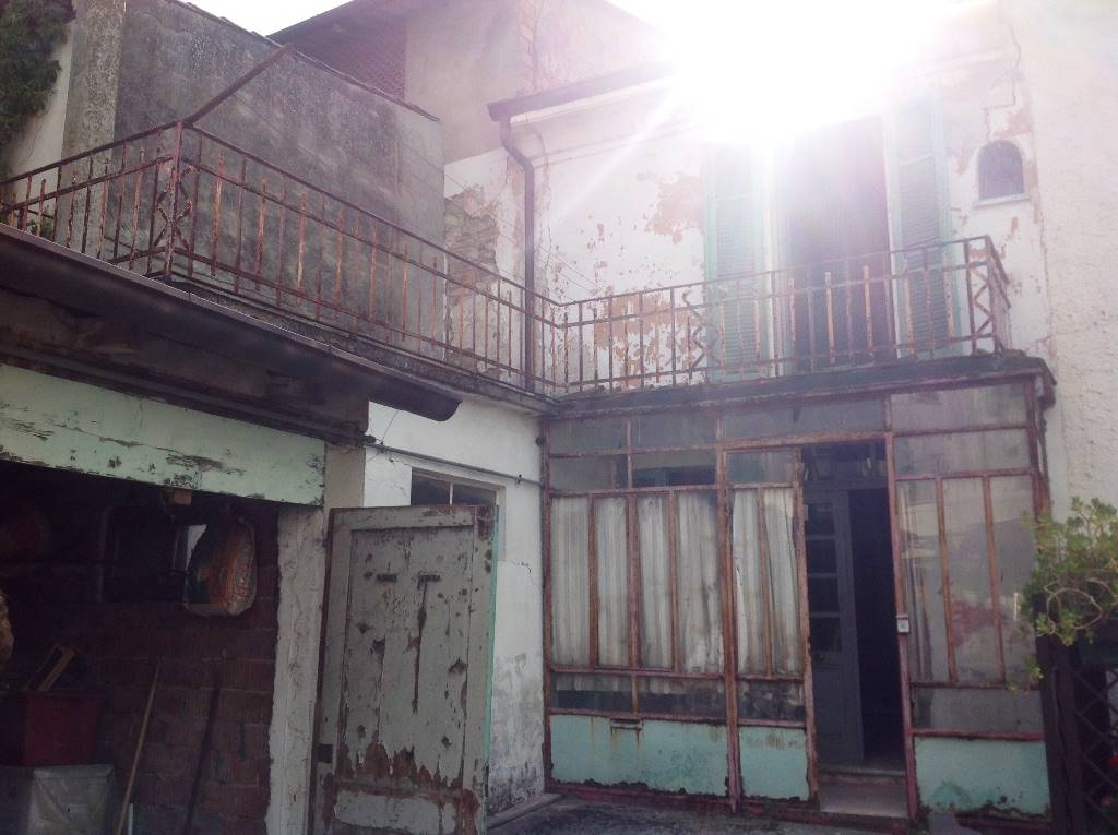 Soluzione Indipendente in vendita a Cerreto Grue, 4 locali, prezzo € 22.000 | CambioCasa.it