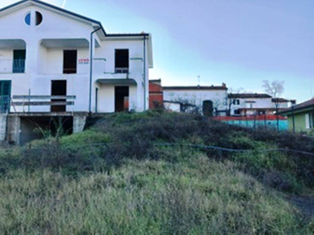 Villa in vendita a Spineto Scrivia, 5 locali, prezzo € 125.000   CambioCasa.it