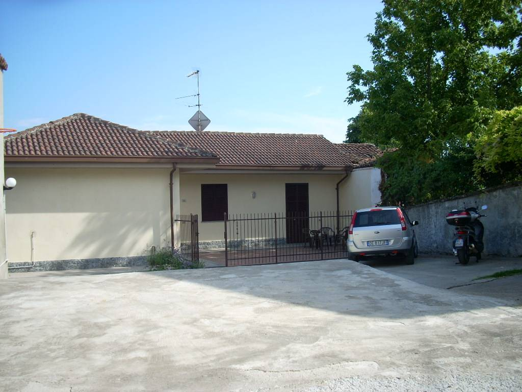 Soluzione Indipendente in vendita a Monleale, 4 locali, prezzo € 100.000 | CambioCasa.it