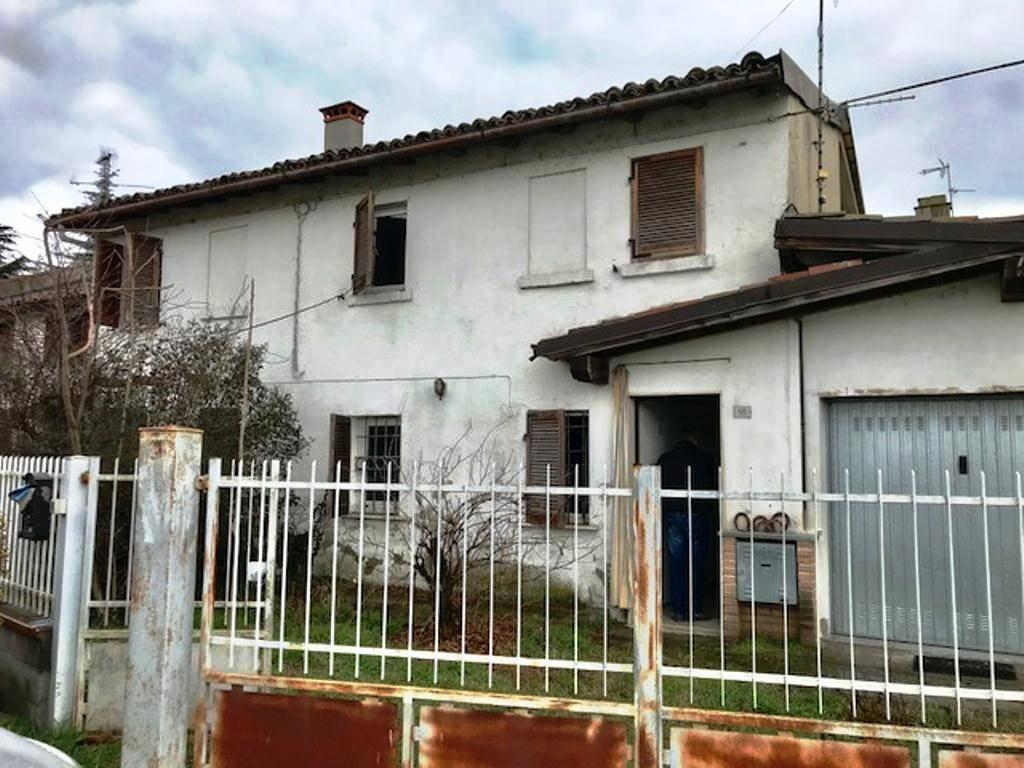 Soluzione Indipendente in vendita a Verretto, 7 locali, prezzo € 35.000 | CambioCasa.it
