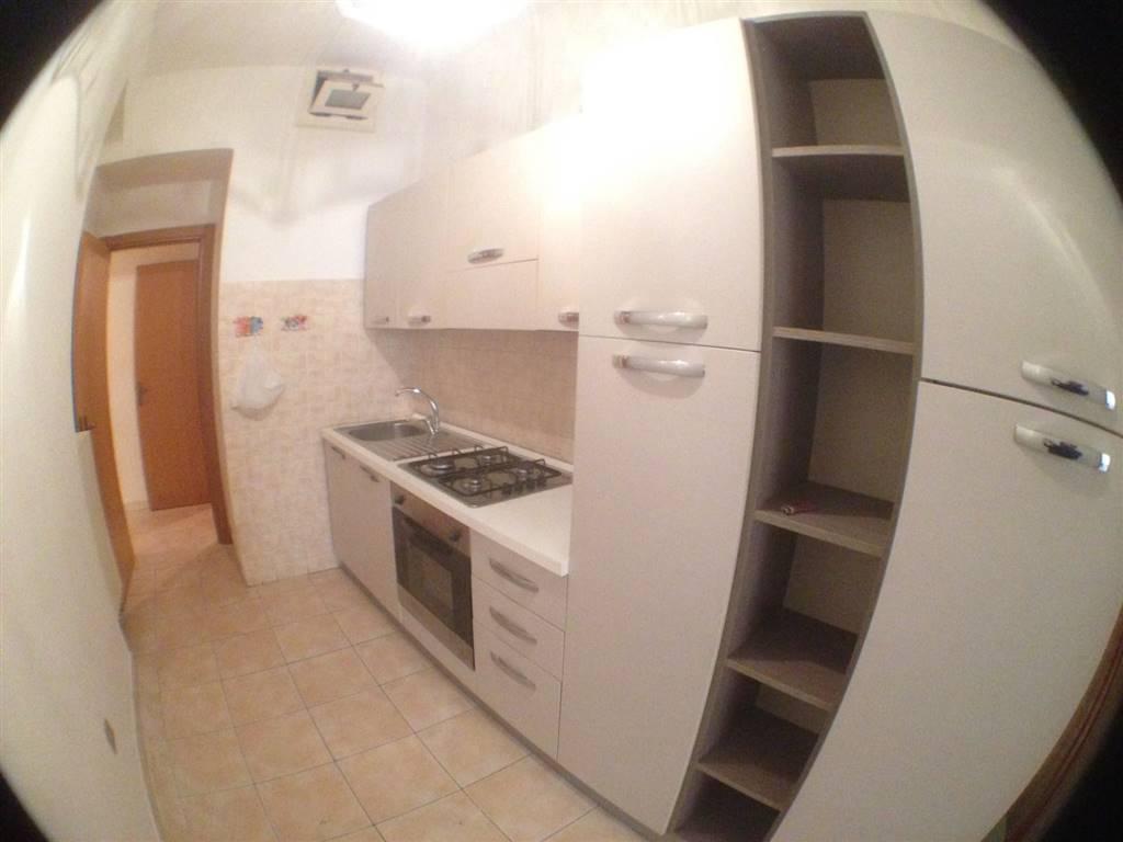 Cucina: Bilocale, Via Mazzini, Potenza, abitabile