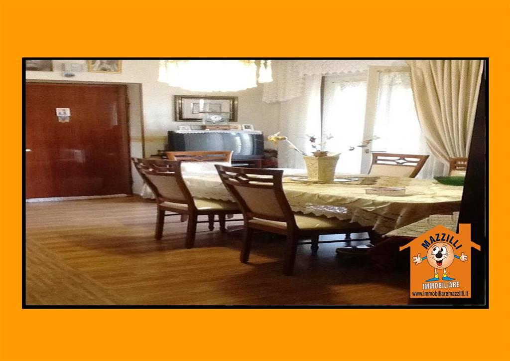 Appartamento in vendita a Potenza, 3 locali, prezzo € 98.000 | CambioCasa.it