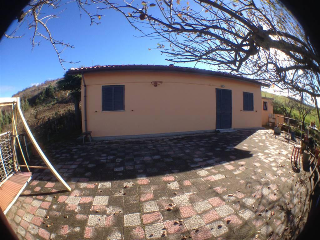 Villa in vendita a Potenza, 2 locali, prezzo € 43.000 | CambioCasa.it