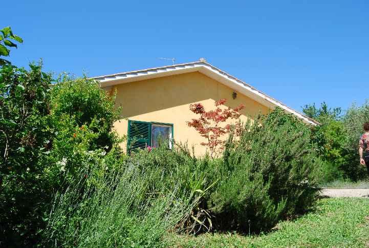 Casa singola a SORIANO NEL CIMINO 7 Vani - Giardino