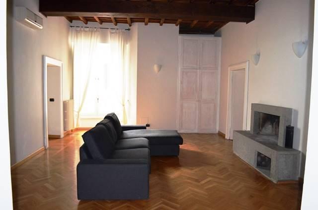 Appartamento in affitto a Viterbo, 6 locali, zona Zona: Centro, prezzo € 600 | Cambio Casa.it