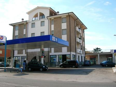 Negozio / Locale in vendita a Viterbo, 2 locali, zona Zona: Periferia, prezzo € 110.000 | Cambio Casa.it