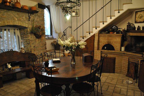 Soluzione Indipendente in vendita a Giano dell'Umbria, 7 locali, zona Zona: Montecchio, prezzo € 120.000 | Cambio Casa.it