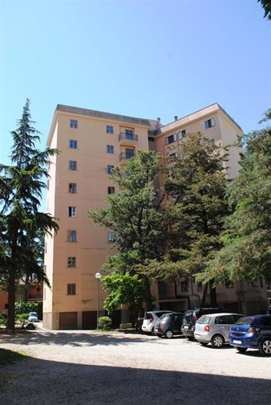 Appartamento in affitto a Viterbo, 6 locali, zona Zona: Semicentro, prezzo € 500 | Cambio Casa.it
