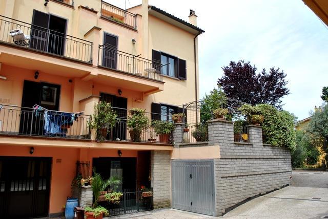 Villa a Schiera in vendita a Vitorchiano, 8 locali, zona Località: CONVENTINO, Trattative riservate | Cambio Casa.it
