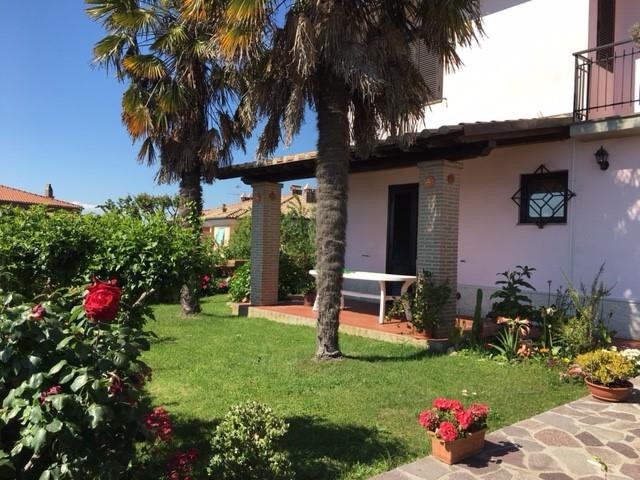 Villa a Schiera in vendita a Farnese, 8 locali, prezzo € 140.000 | Cambio Casa.it