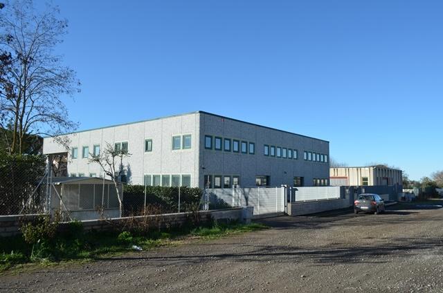 Capannone industriale a VITERBO 358 Mq