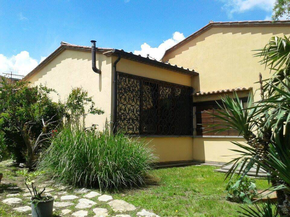 Villa Bifamiliare in affitto a Vitorchiano, 7 locali, prezzo € 650 | Cambio Casa.it