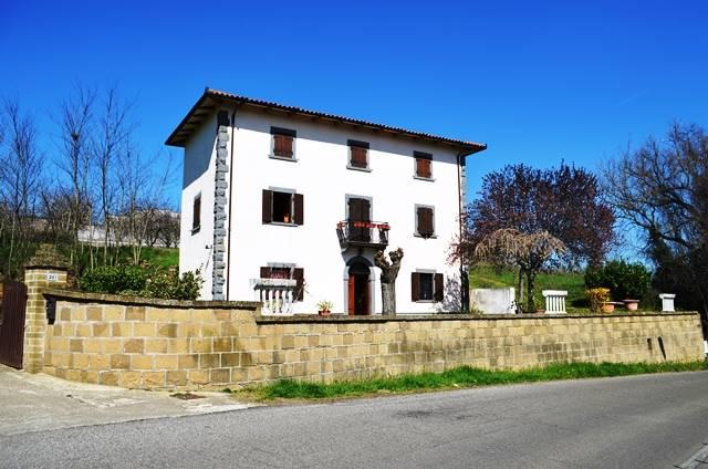 Rustico / Casale in vendita a Celleno, 6 locali, prezzo € 230.000 | CambioCasa.it