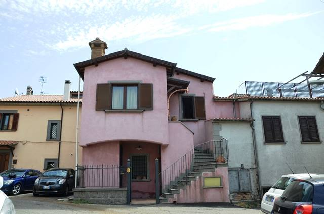 Appartamento indipendente a MONTEFIASCONE 75 Mq | 4 Vani