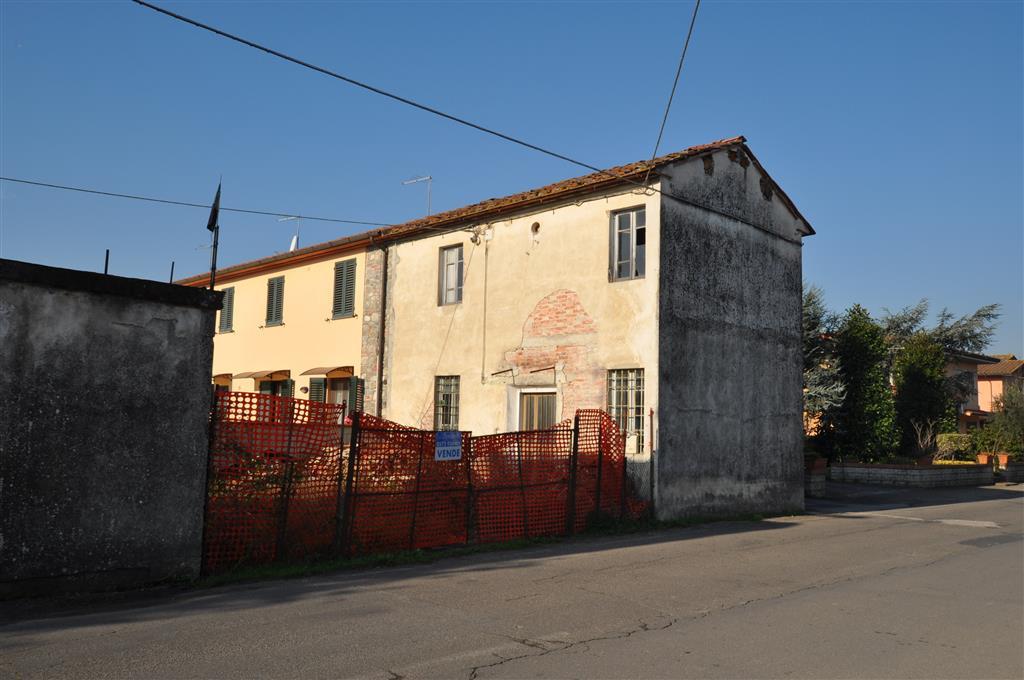 Soluzione Indipendente in vendita a Ponte Buggianese, 4 locali, zona Zona: Anchione, prezzo € 70.000 | Cambio Casa.it