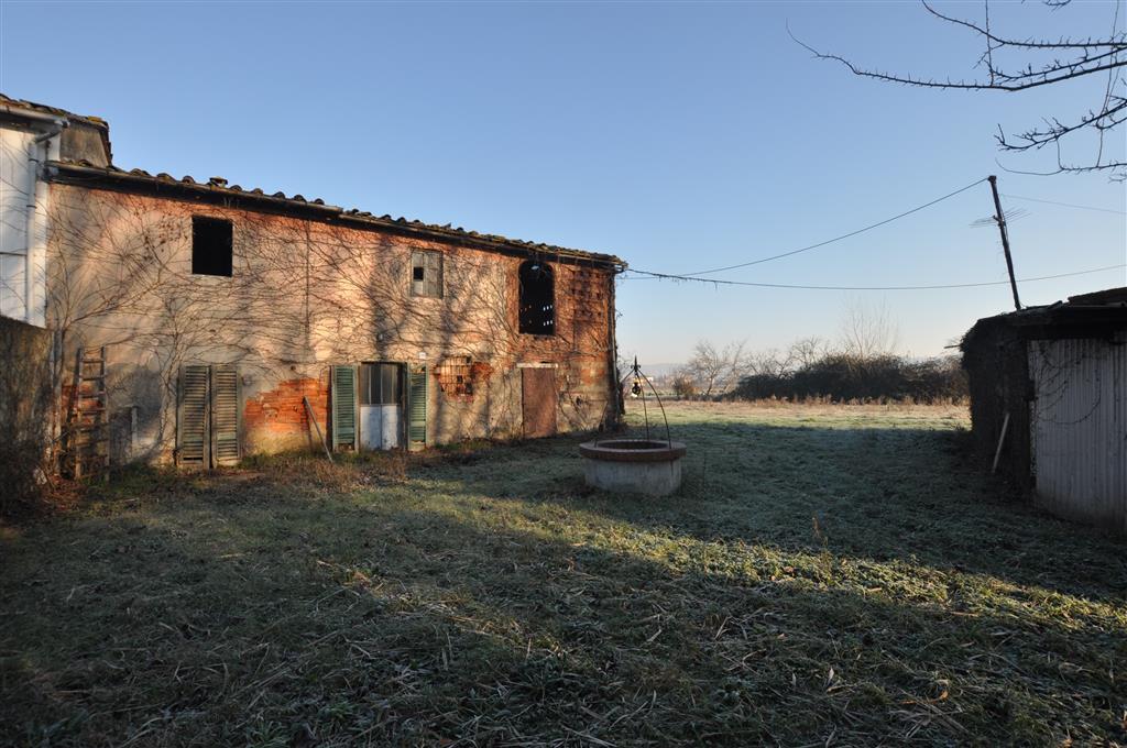 Soluzione Indipendente in vendita a Ponte Buggianese, 10 locali, zona Zona: Vione, prezzo € 100.000 | Cambio Casa.it