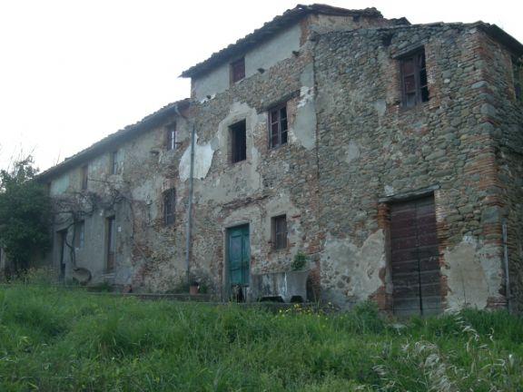 Soluzione Indipendente in vendita a Pescia, 10 locali, prezzo € 480.000 | Cambio Casa.it
