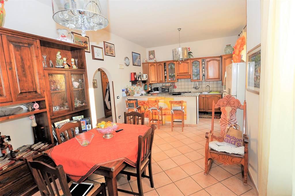 Appartamento in vendita a Buggiano, 4 locali, prezzo € 120.000 | Cambio Casa.it