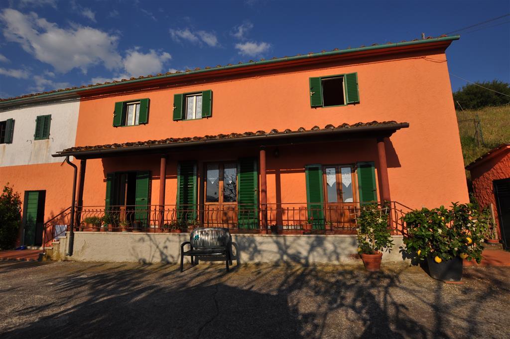 Villa Bifamiliare in vendita a Uzzano, 6 locali, prezzo € 220.000 | Cambio Casa.it