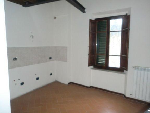 Appartamento in vendita a Buggiano, 4 locali, prezzo € 145.000 | Cambio Casa.it