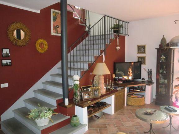 Villa Bifamiliare in vendita a Buggiano, 5 locali, prezzo € 270.000 | Cambio Casa.it