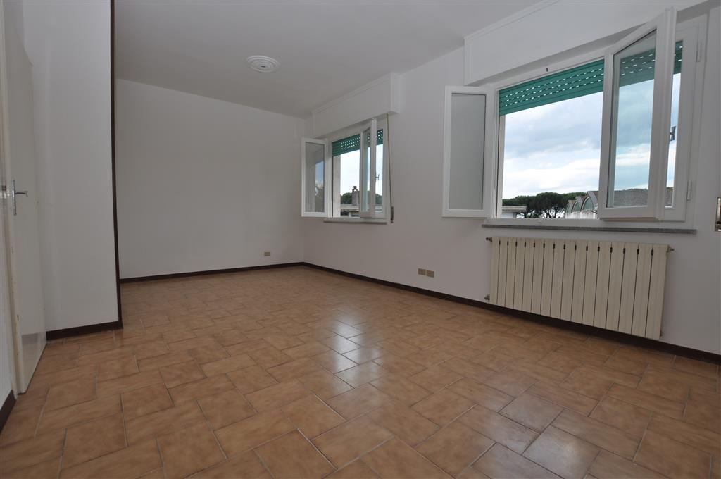 Appartamento in vendita a Buggiano, 3 locali, zona Zona: Borgo a Buggiano, prezzo € 63.000 | Cambio Casa.it