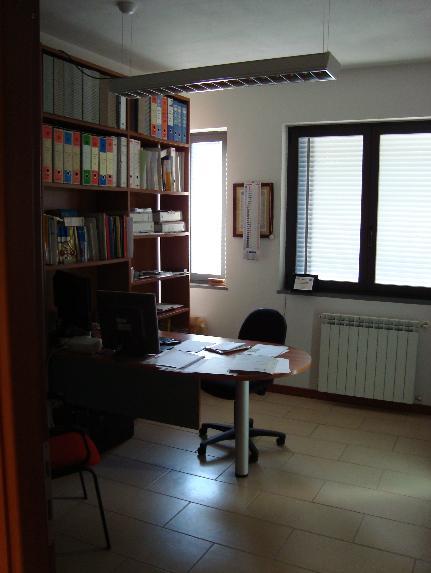 Appartamento in vendita a Pescia, 5 locali, prezzo € 128.000 | Cambio Casa.it