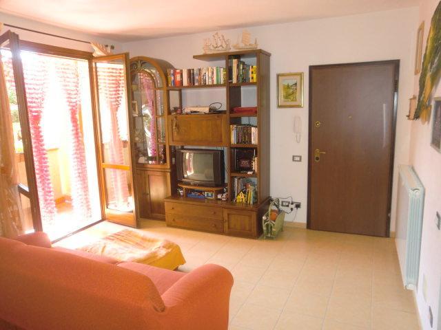 Appartamento in vendita a Uzzano, 4 locali, prezzo € 140.000 | Cambio Casa.it