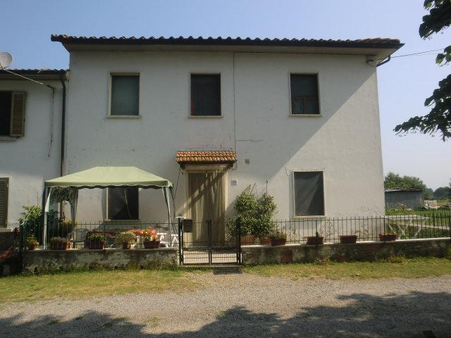 Soluzione Indipendente in vendita a Fucecchio, 10 locali, zona Zona: Querce, prezzo € 170.000 | Cambio Casa.it