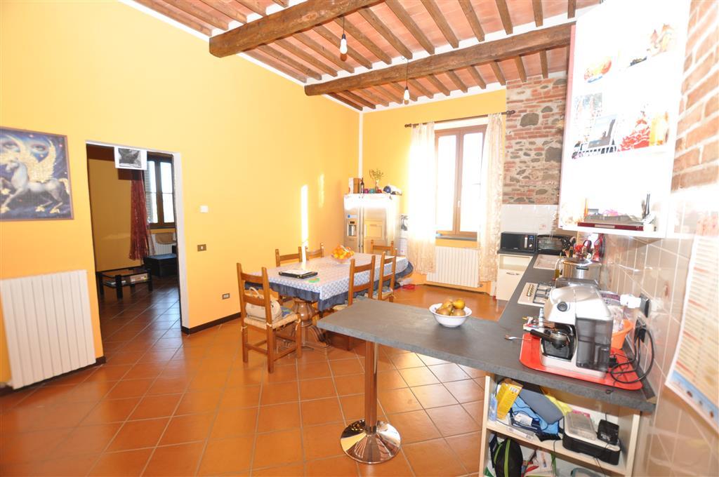 Villa in vendita a Ponte Buggianese, 10 locali, prezzo € 240.000 | Cambio Casa.it