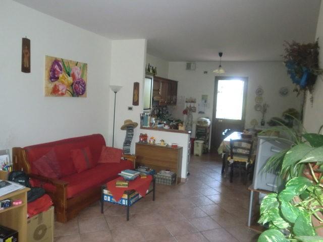Soluzione Indipendente in vendita a Ponte Buggianese, 4 locali, zona Località: BORGHINO, prezzo € 115.000 | Cambio Casa.it