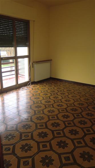 Appartamento in vendita a Ponte Buggianese, 5 locali, prezzo € 99.000 | Cambio Casa.it