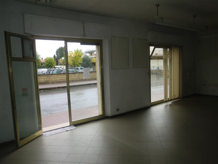Negozio / Locale in affitto a Ponte Buggianese, 9999 locali, prezzo € 500 | Cambio Casa.it