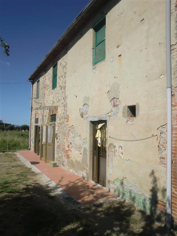 Soluzione Indipendente in vendita a Ponte Buggianese, 8 locali, prezzo € 110.000 | Cambio Casa.it