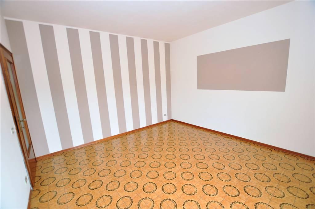 Appartamento in vendita a Ponte Buggianese, 4 locali, zona Zona: Albinatico, prezzo € 58.000   Cambio Casa.it