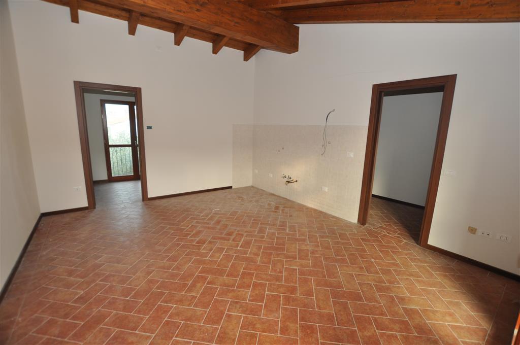Appartamento in vendita a Uzzano, 4 locali, prezzo € 75.000 | Cambio Casa.it