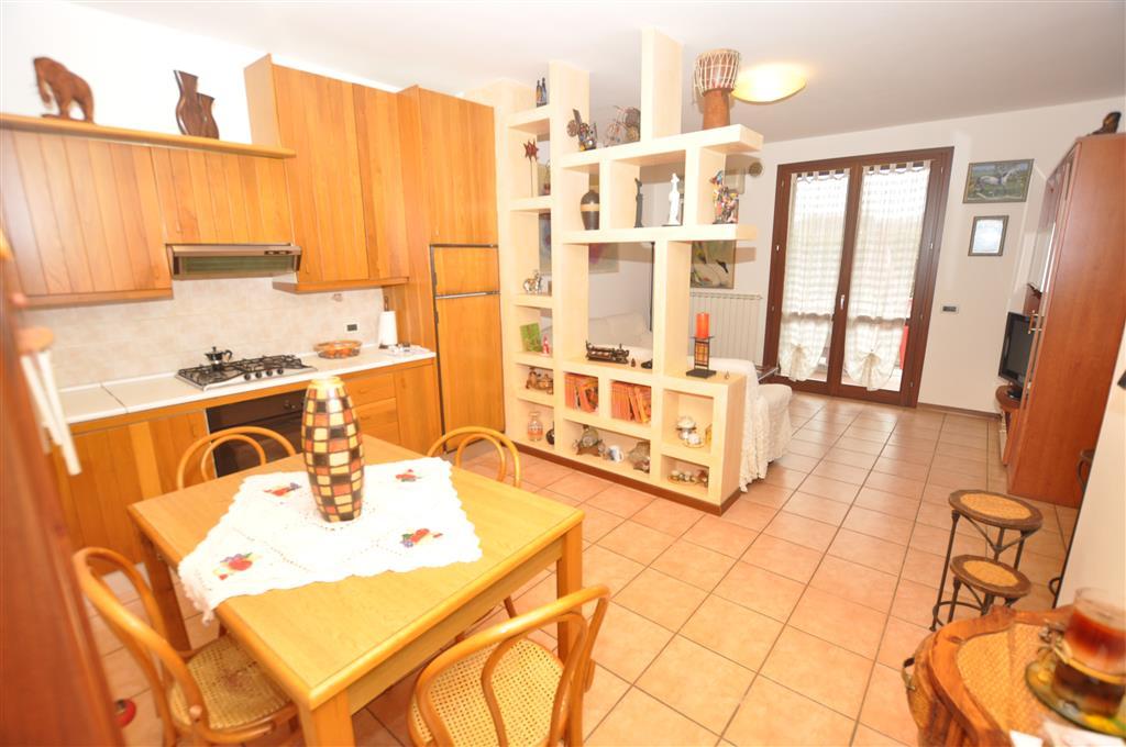 Appartamento in vendita a Ponte Buggianese, 4 locali, prezzo € 150.000 | Cambio Casa.it
