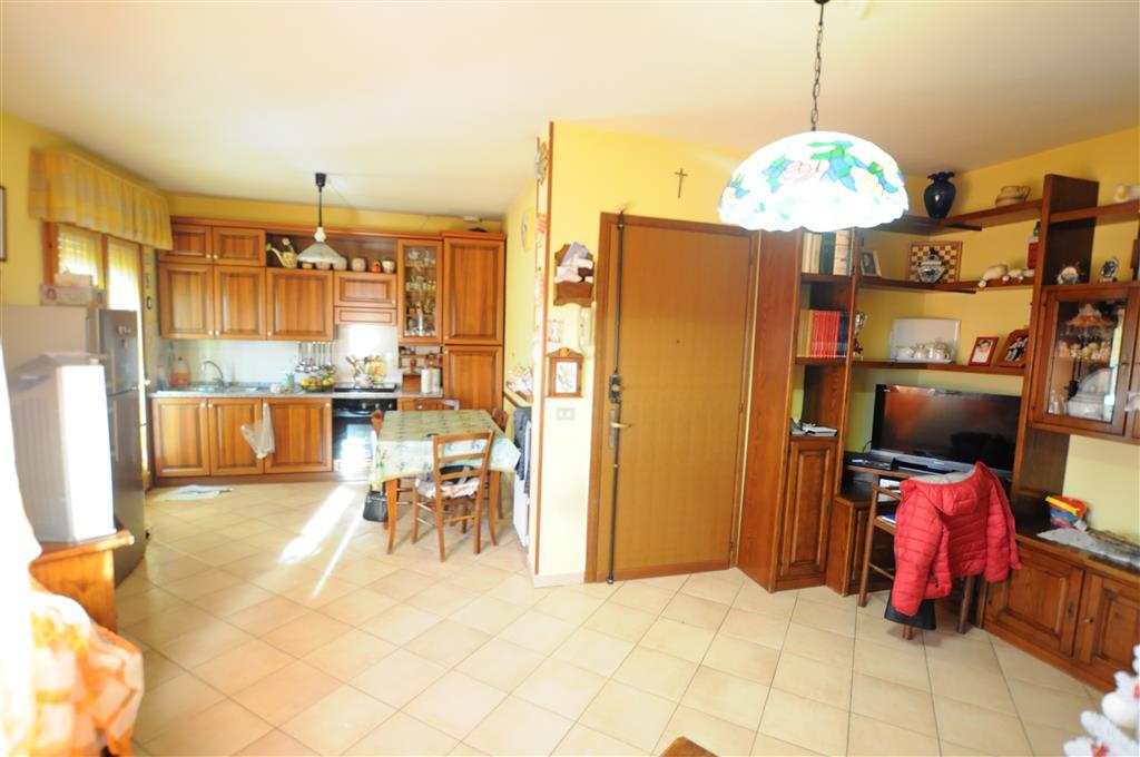 Appartamento in vendita a Ponte Buggianese, 5 locali, prezzo € 89.000 | Cambio Casa.it