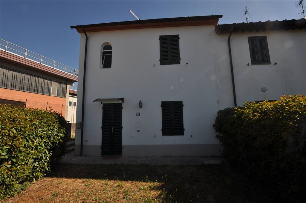 Soluzione Indipendente in affitto a Uzzano, 4 locali, zona Località: FORONE, prezzo € 500 | Cambio Casa.it