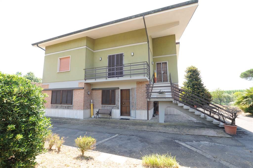 Villa in vendita a Ponte Buggianese, 10 locali, prezzo € 390.000 | Cambio Casa.it