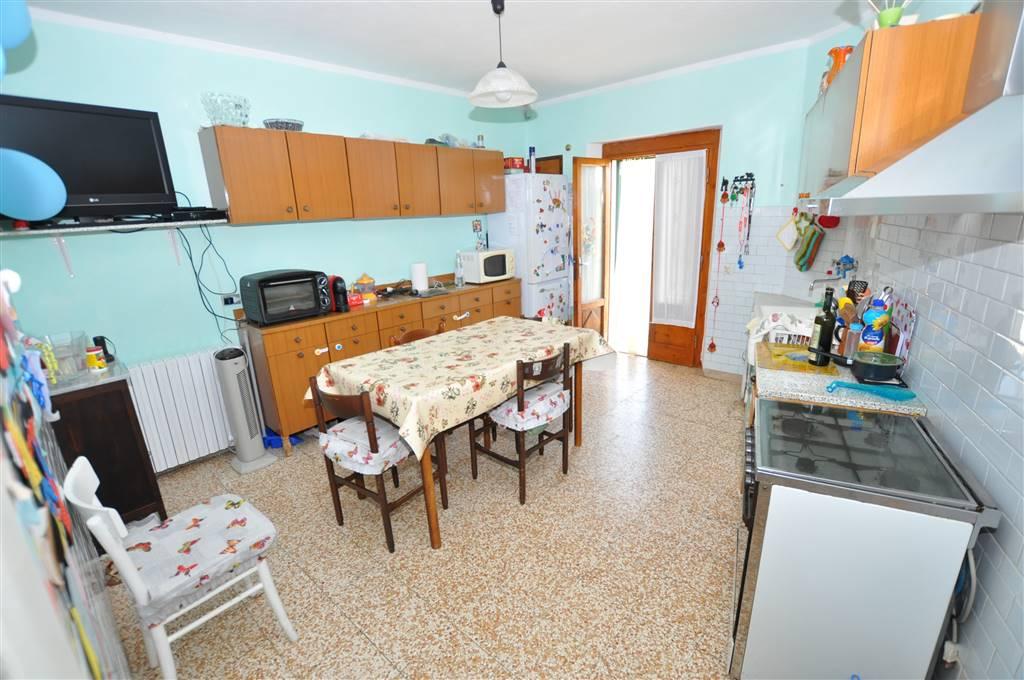 Soluzione Indipendente in vendita a Ponte Buggianese, 4 locali, prezzo € 85.000 | Cambio Casa.it