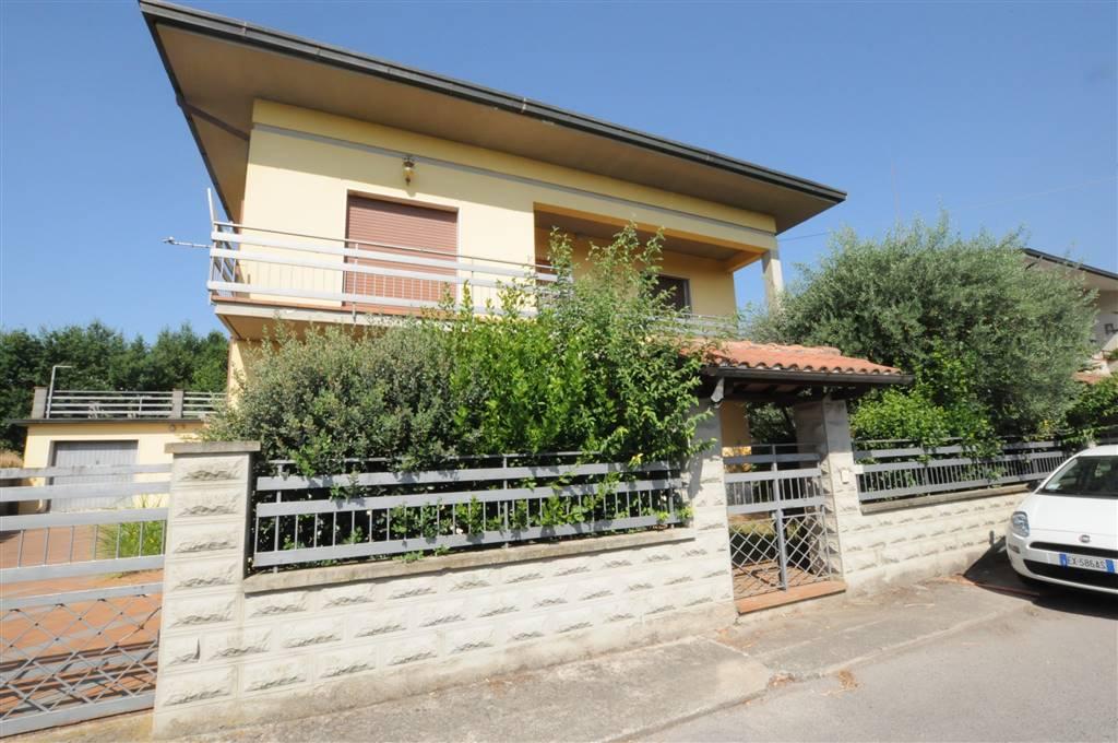 Villa in vendita a Massa e Cozzile, 8 locali, zona Zona: Margine Coperta, prezzo € 395.000 | Cambio Casa.it