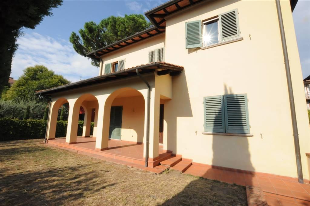 Villa in vendita a Montecatini-Terme, 10 locali, prezzo € 610.000 | Cambio Casa.it
