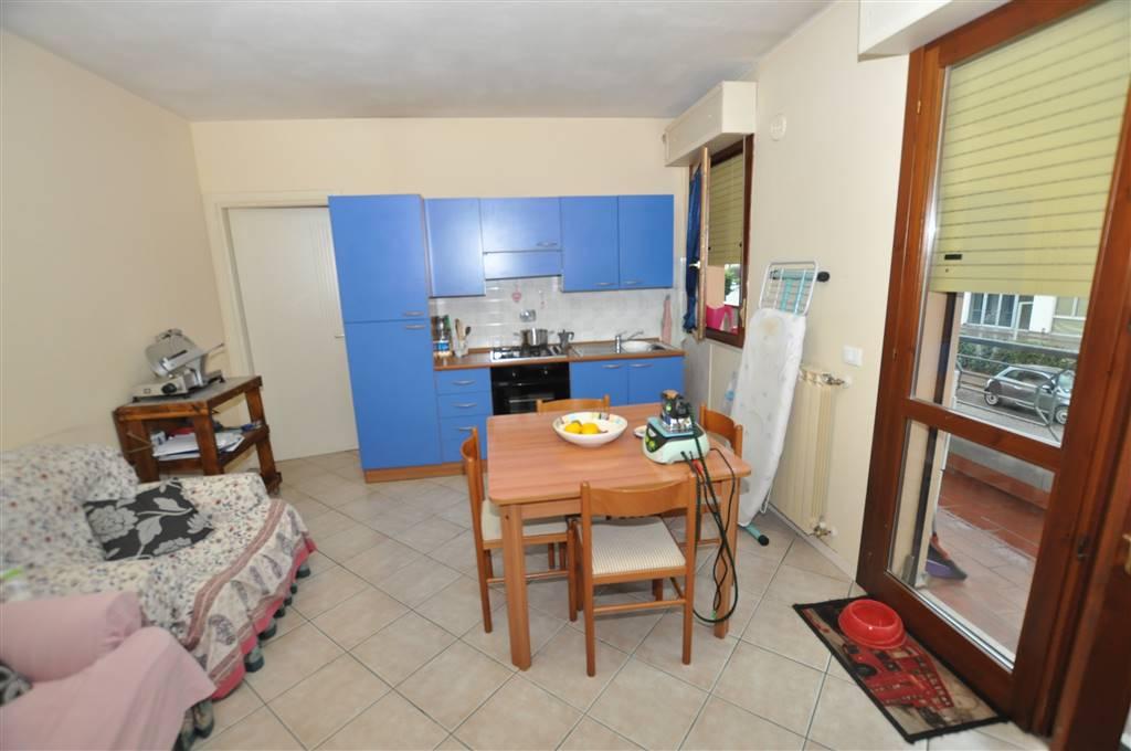 Appartamento in vendita a Monsummano Terme, 4 locali, prezzo € 105.000 | Cambio Casa.it