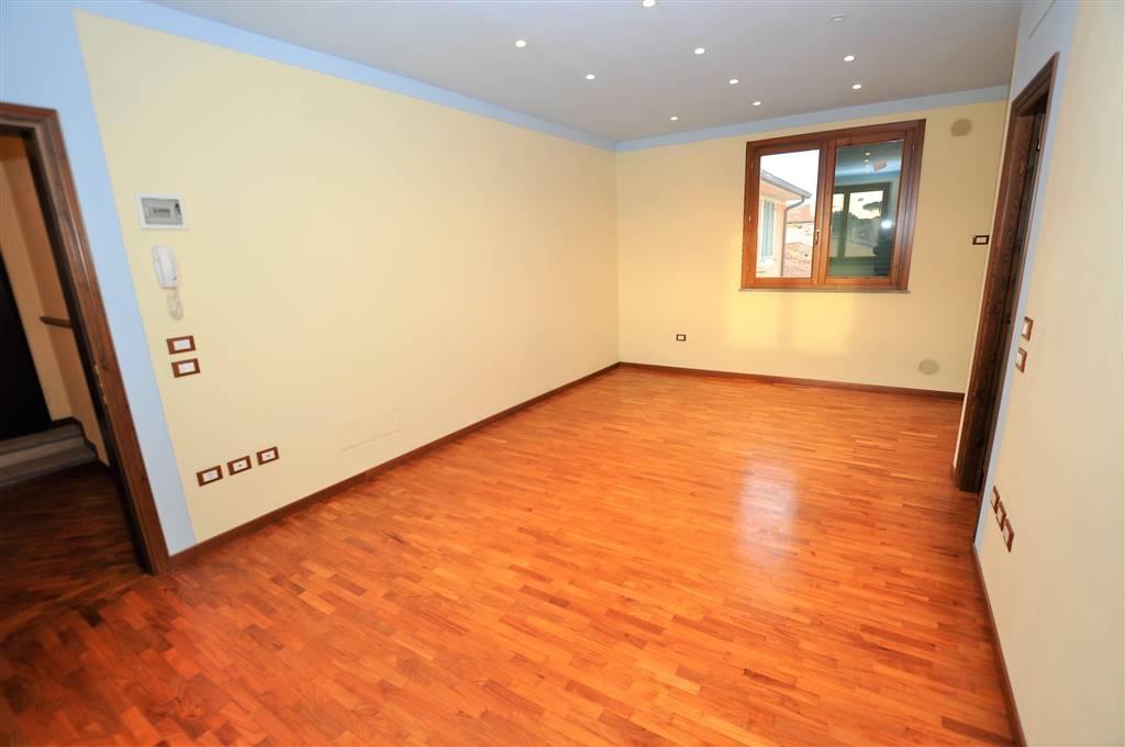 Appartamento in vendita a Massa e Cozzile, 4 locali, prezzo € 135.000 | Cambio Casa.it
