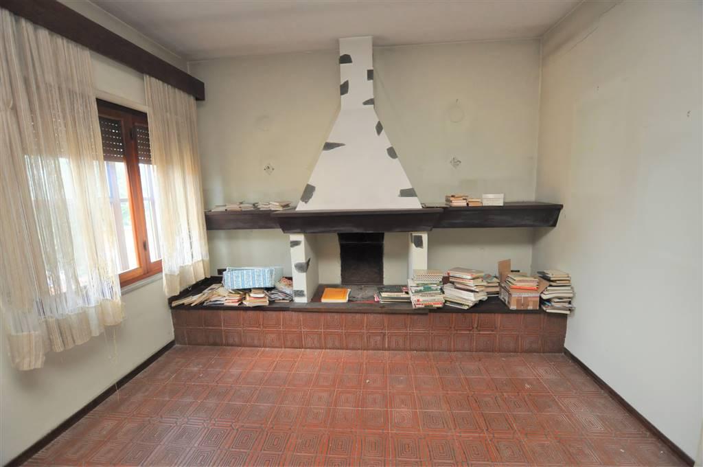 Soluzione Indipendente in vendita a Ponte Buggianese, 5 locali, prezzo € 80.000 | Cambio Casa.it