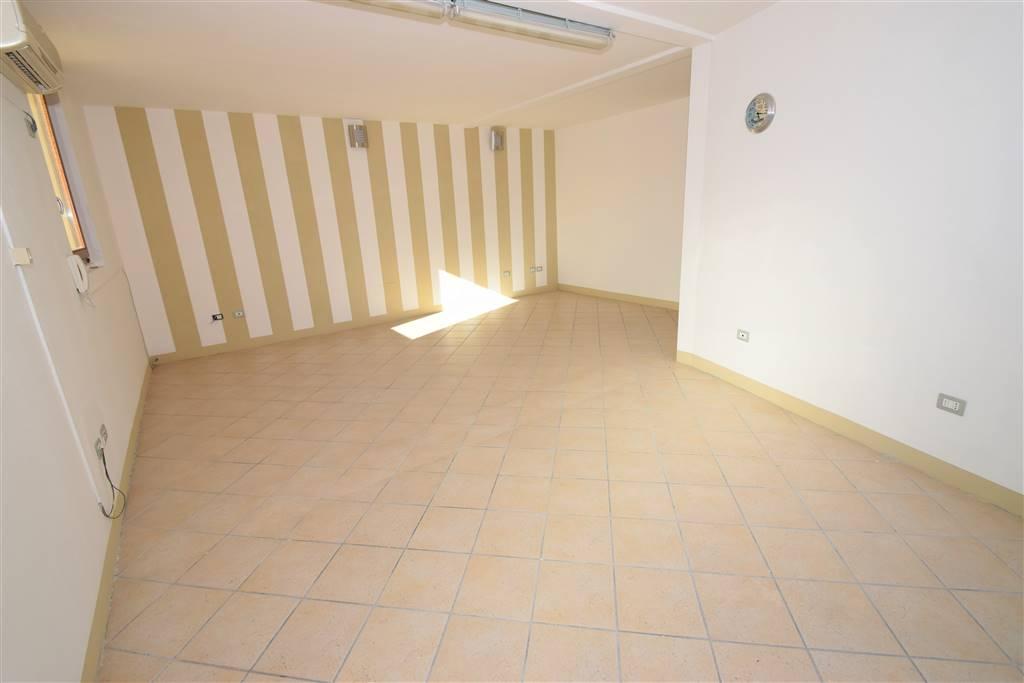 Ufficio / Studio in affitto a Massa e Cozzile, 1 locali, prezzo € 490 | Cambio Casa.it
